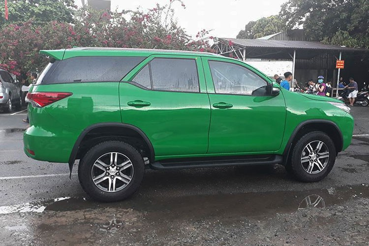 Toyota Fortuner 2017 do phong cach taxi tai Viet Nam-Hinh-3