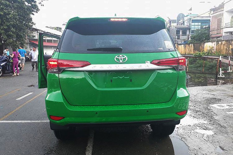 Toyota Fortuner 2017 do phong cach taxi tai Viet Nam-Hinh-5
