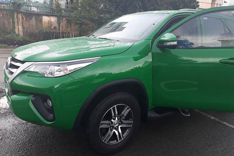 Toyota Fortuner 2017 do phong cach taxi tai Viet Nam-Hinh-6