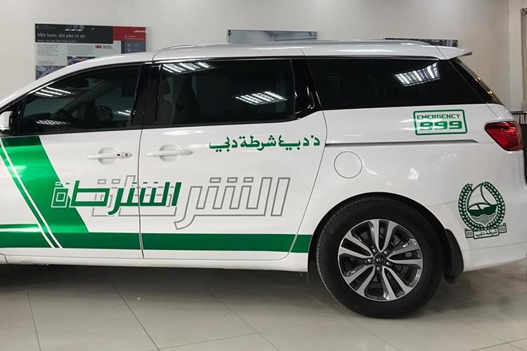 Kia Grand Sedona phong cach sieu xe canh sat Dubai o VN-Hinh-5