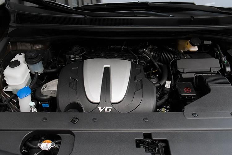 Kia Grand Sedona phong cach sieu xe canh sat Dubai o VN-Hinh-7