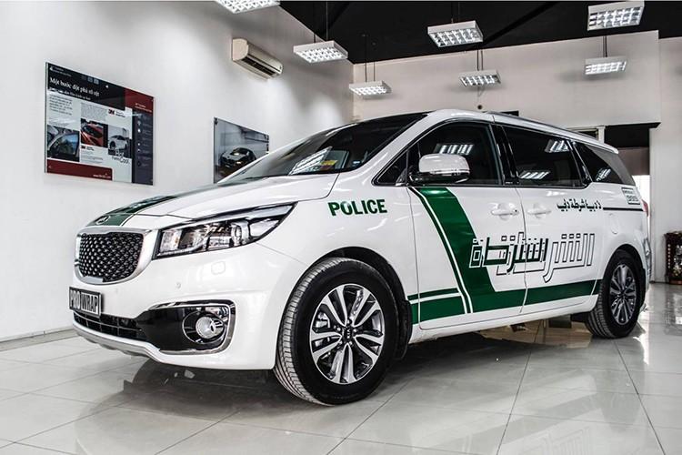 Kia Grand Sedona phong cach sieu xe canh sat Dubai o VN-Hinh-8