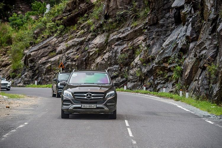 Len rung, xuong bien cung Mercedes-Benz SUVenture 2017-Hinh-14