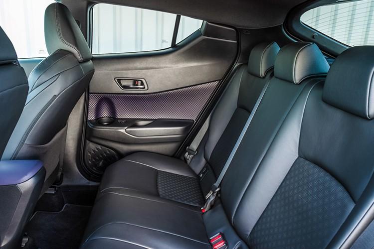 """Xe SUV co nho Toyota C-HR 2017 """"chay hang"""" tai Nhat Ban-Hinh-9"""
