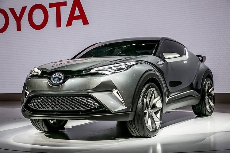 """Xe SUV co nho Toyota C-HR 2017 """"chay hang"""" tai Nhat Ban"""