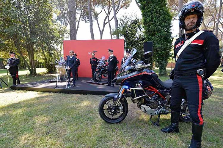 """Soi"" moto Ducati Multistrada 1200 cua canh sat Y-Hinh-8"
