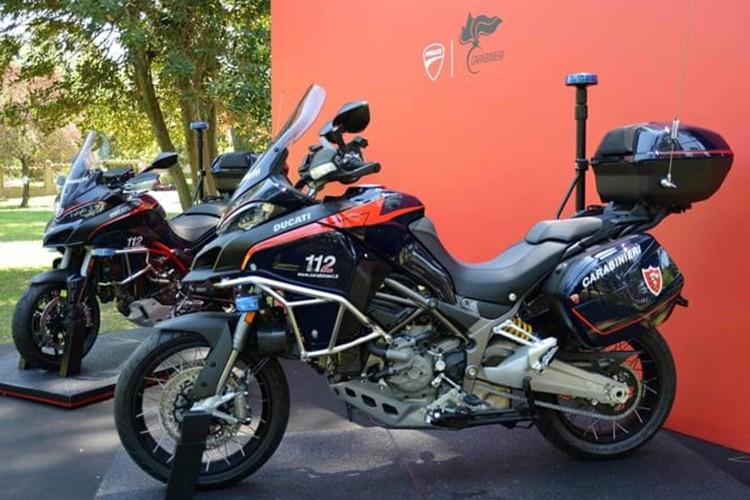 """Soi"" moto Ducati Multistrada 1200 cua canh sat Y"