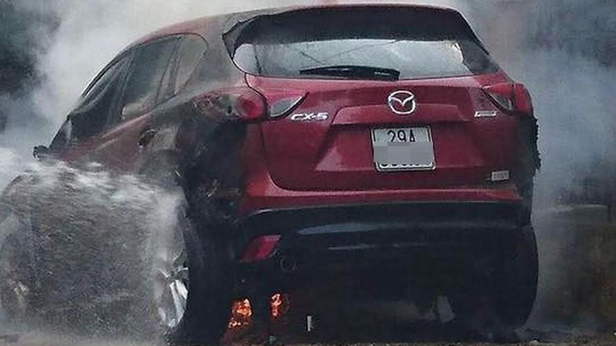 Mazda CX-5 gia hon 800 trieu chay tro khung o Phu Tho-Hinh-3