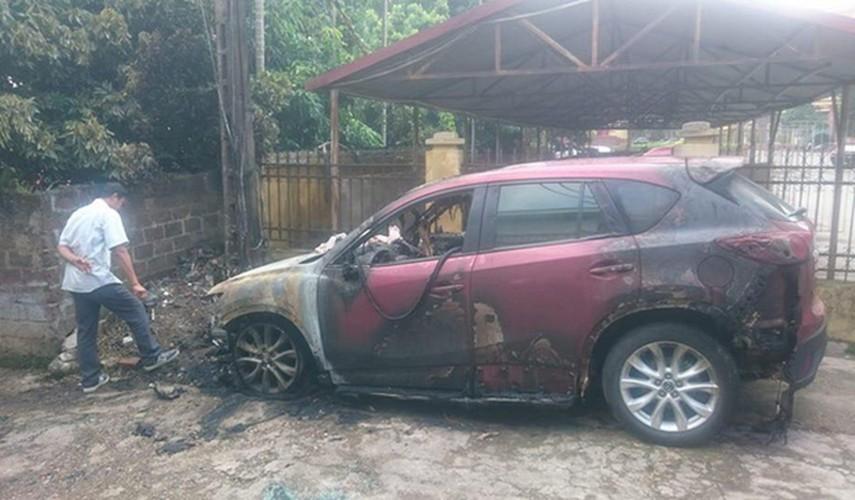 Mazda CX-5 gia hon 800 trieu chay tro khung o Phu Tho-Hinh-4
