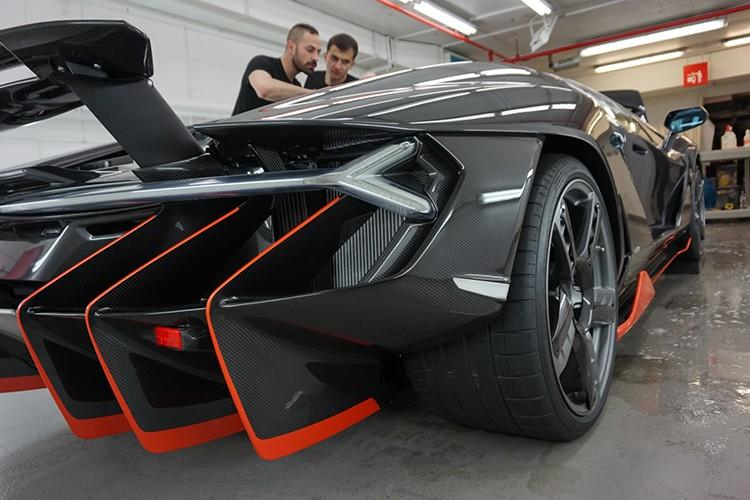 Lamborghini Centenario trieu do dau tien den Anh quoc-Hinh-4