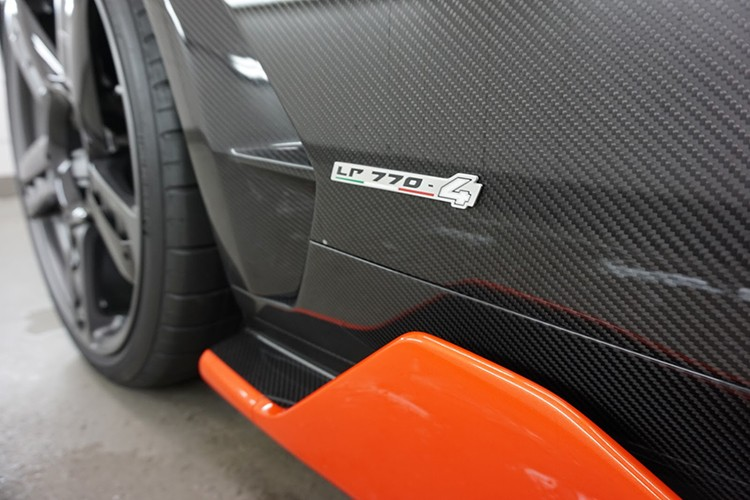 Lamborghini Centenario trieu do dau tien den Anh quoc-Hinh-6