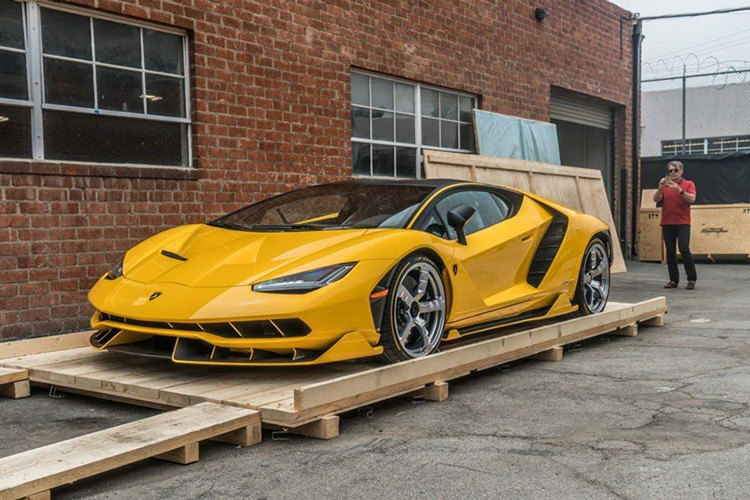 """Dap thung"" Lamborghini Centenario mau doc gia 43 ty-Hinh-3"