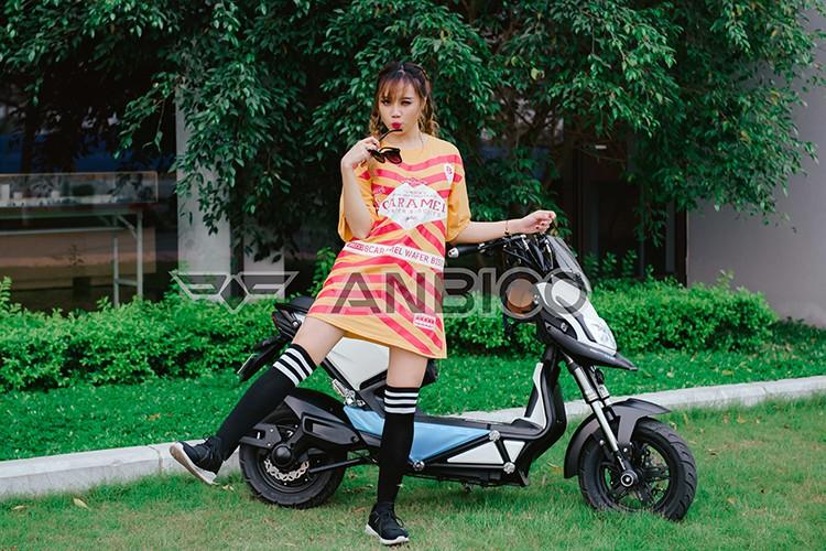 Teen Viet do ca tinh voi xe dien Anbico Zoe-Hinh-7