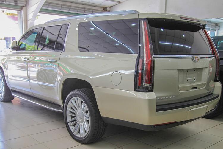 Can canh Cadillac Escalade gia 7 ty dong tai Viet Nam-Hinh-4