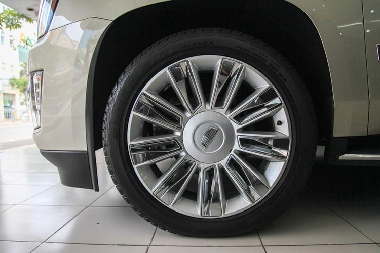 Can canh Cadillac Escalade gia 7 ty dong tai Viet Nam-Hinh-6