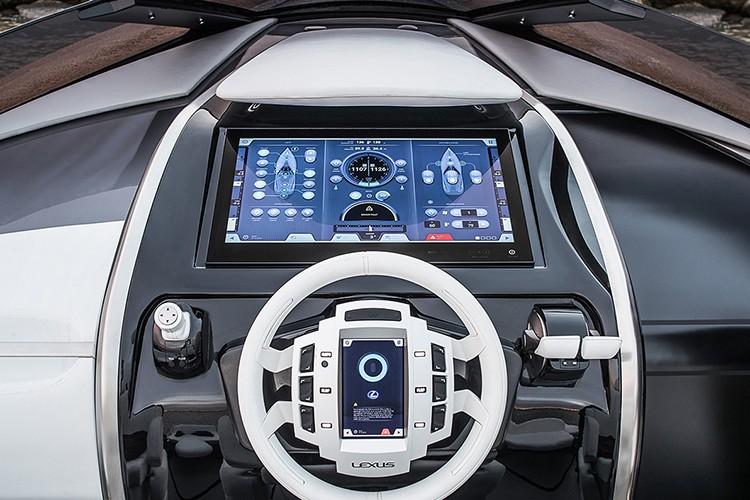 "Lexus tiep tuc ""khoe hang"" sieu du thuyen Sport Yacht-Hinh-4"