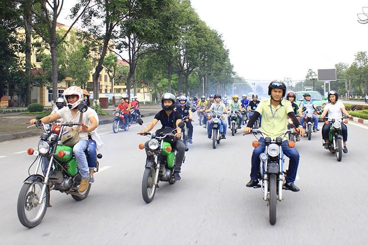 """Soi """"xe no"""" mo kich Simson S51 cua dan choi Viet-Hinh-10"""