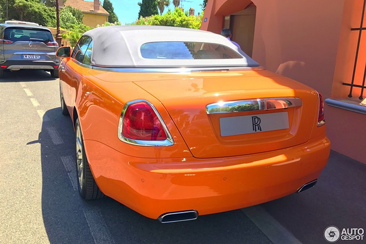 "Rolls-Royce Dawn ""khoac ao cam"" doc nhat The gioi-Hinh-5"