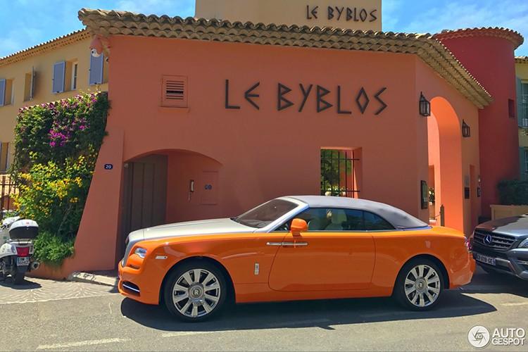 "Rolls-Royce Dawn ""khoac ao cam"" doc nhat The gioi"