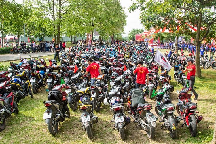 "Hon 600 ""xe no"" Honda Winner 150 lan banh tai Ha Noi-Hinh-7"