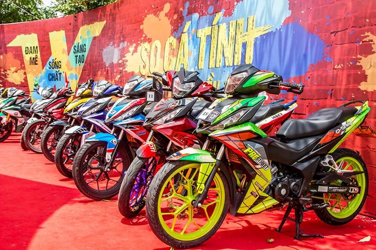 "Hon 600 ""xe no"" Honda Winner 150 lan banh tai Ha Noi"