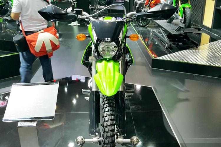 """Kawasaki ra mat """"cao cao phuot"""" KLX 2017 gia 49 trieu-Hinh-2"""