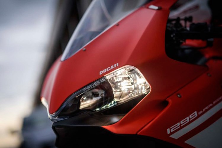 Sieu moto Ducati 1299 Superleggera hon 2 ty da co chu-Hinh-4