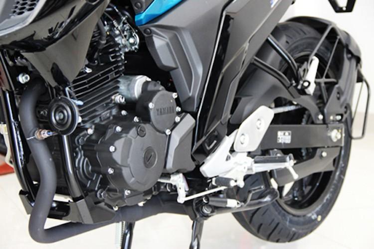 Moto Yamaha FZ 25 tai Viet Nam gia hon 60 trieu dong-Hinh-7