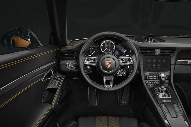 """""""Soi"""" Porsche 911 Turbo S Exclusive ban gioi han cuc doc-Hinh-8"""