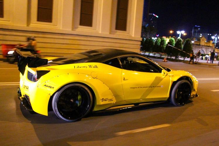 SIeu xe Ferrari chuc ty do Liberty Walk dau tien tai Sai Gon-Hinh-2
