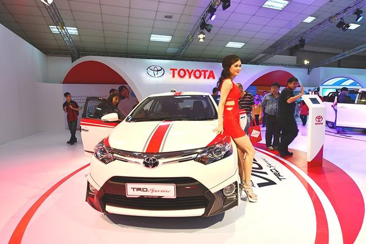 """Toyota Vios phien ban """"xe dua"""" gia 452 trieu dong"""