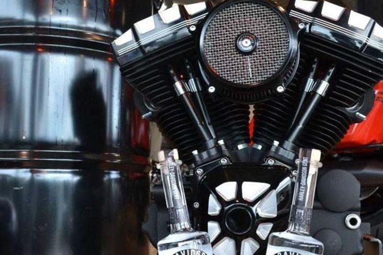 Ruou ngam phu tung moto Harley-Davidson gia hon 20 trieu-Hinh-2
