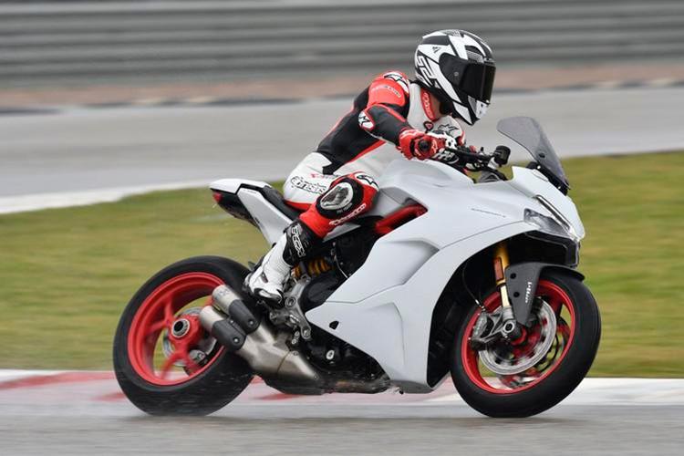 """Ducati SuperSport 2017 """"chot gia"""" 382 trieu tai Thai Lan-Hinh-8"""