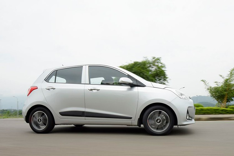 Xe oto Hyundai Grand i10 ban chay gap doi Kia Morning-Hinh-9