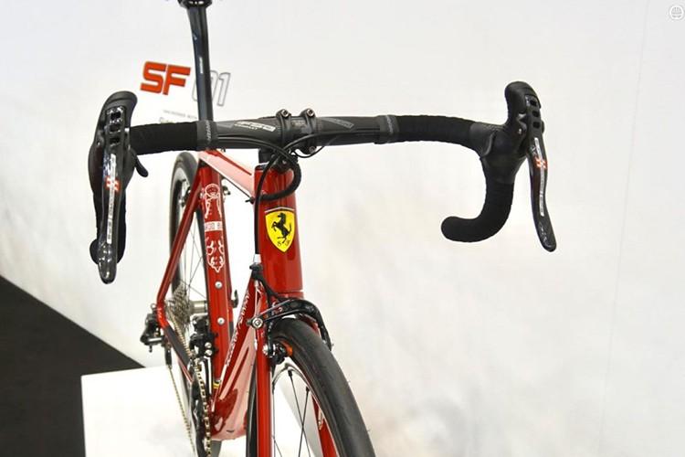 """Sieu xe chay com"" Ferrari SF01 gia hon 400 trieu dong-Hinh-3"