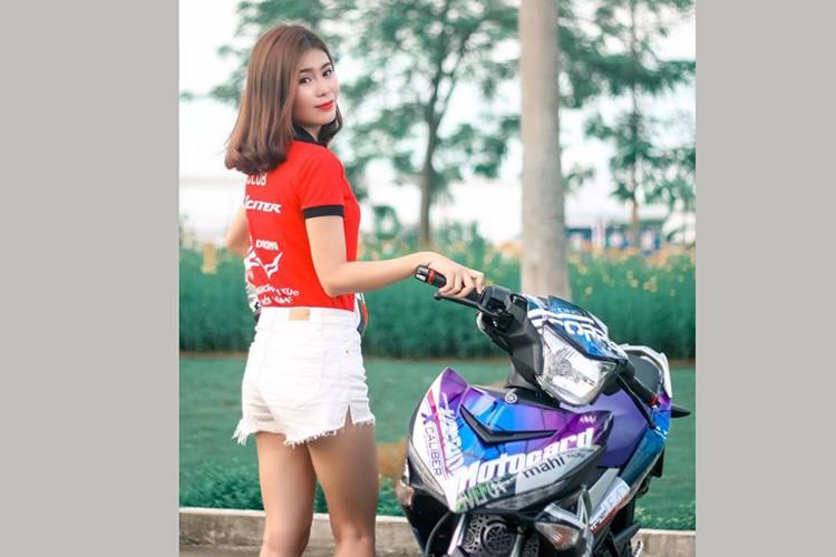 """Gai xinh"" Ha Noi do dang xe may Yamaha Exciter 150-Hinh-6"