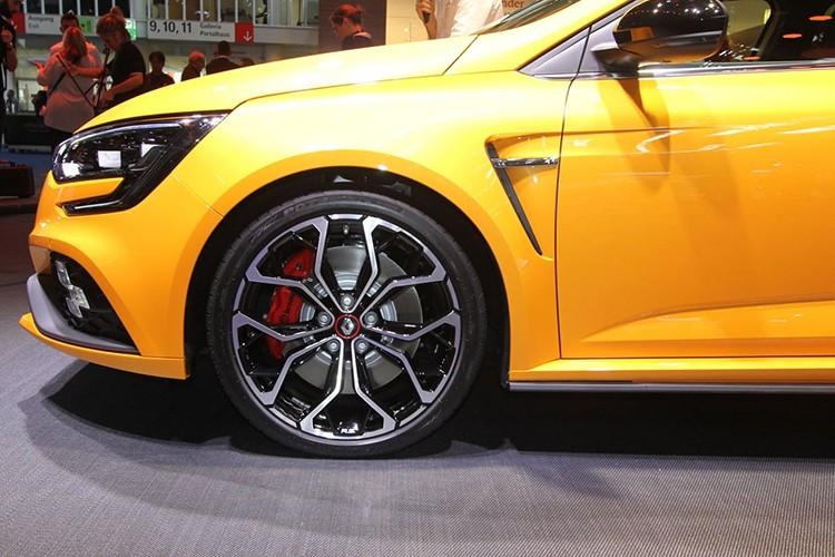 "Renault Megane RS moi, ""doi thu"" cua Ford Focus RS-Hinh-4"