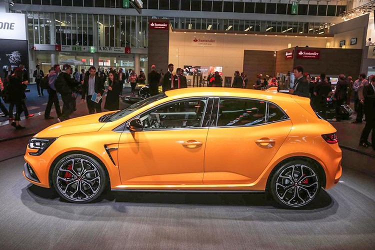 "Renault Megane RS moi, ""doi thu"" cua Ford Focus RS-Hinh-9"