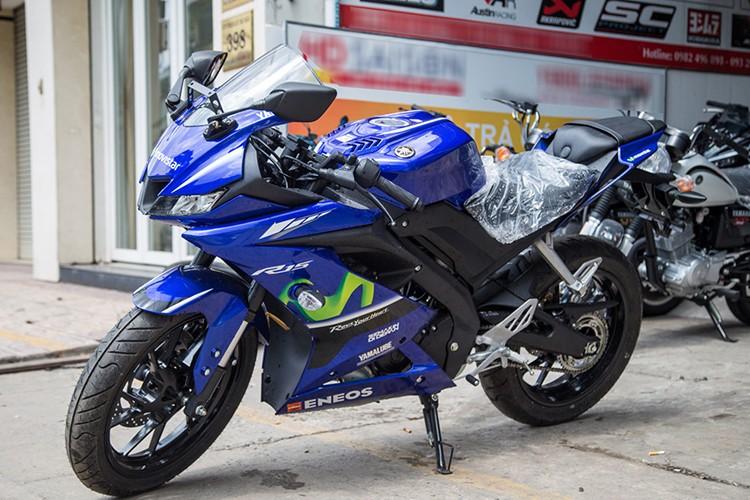 Moto Yamaha R15 gia chi 99 trieu dong tai Viet Nam
