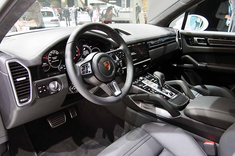 Cayenne Turbo 2018 - SUV manh nhat Porsche gia 3,78 ty-Hinh-4