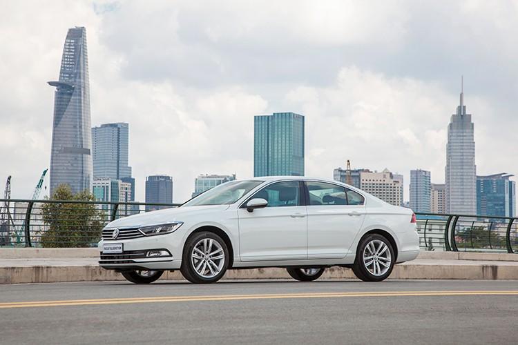"Volkswagen Passat BlueMotion ""chot gia"" 1,45 ty dong tai VN-Hinh-2"