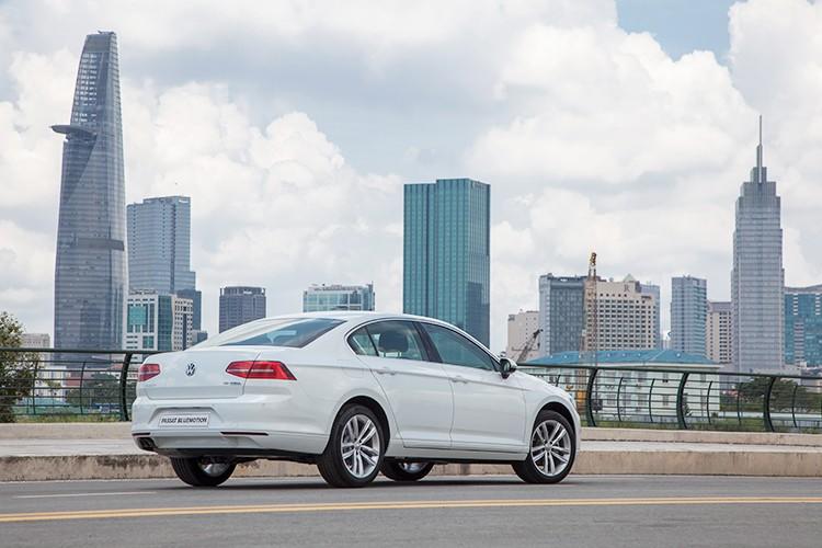 "Volkswagen Passat BlueMotion ""chot gia"" 1,45 ty dong tai VN-Hinh-3"