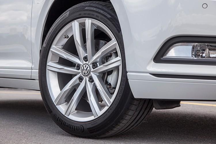 "Volkswagen Passat BlueMotion ""chot gia"" 1,45 ty dong tai VN-Hinh-7"