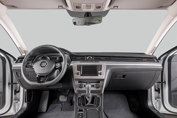 "Volkswagen Passat BlueMotion ""chot gia"" 1,45 ty dong tai VN-Hinh-8"