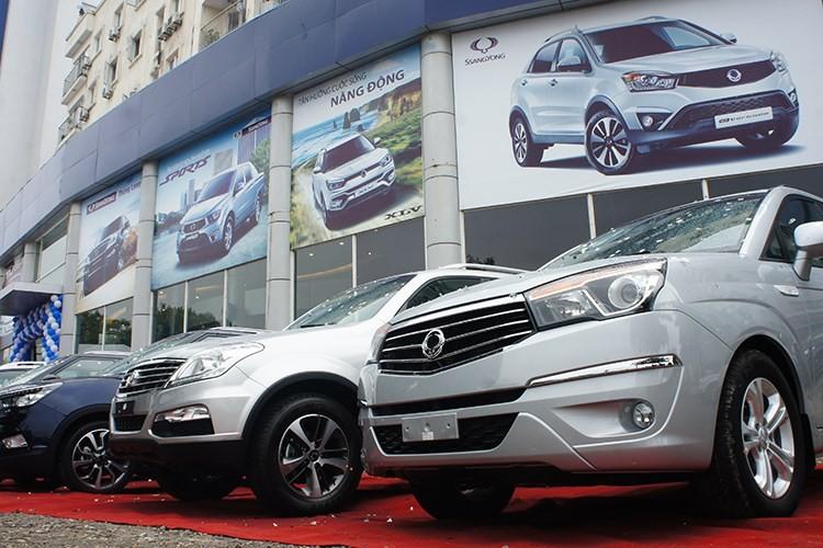 "SsangYong Rexton 2018 sap ve Viet Nam ""dau"" Toyota Fortuner-Hinh-2"