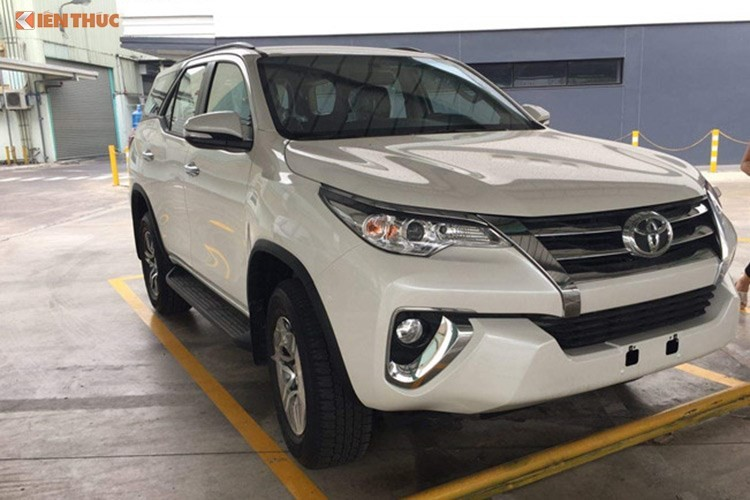 Toyota Fortuner may dau gia hon 1 ty sap ra mat tai VN-Hinh-9