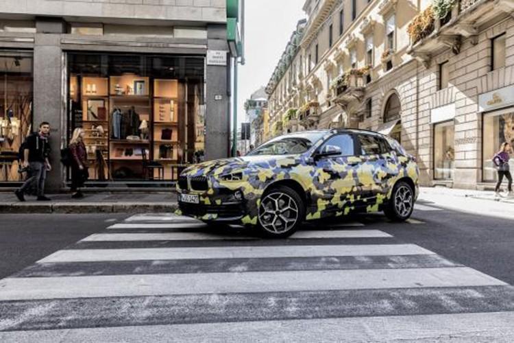 "BMW ""nha hang"" X2 tai kinh do thoi trang Y-Hinh-5"