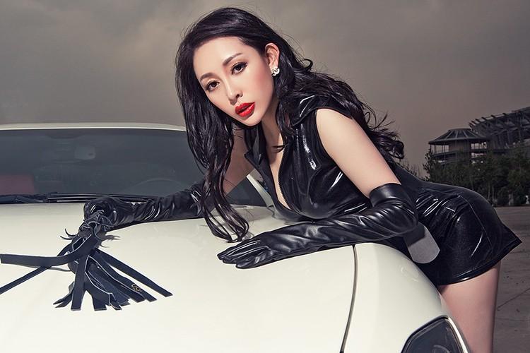 Chan dai show vong 1 ben xe bac ty Maserati GranTurismo-Hinh-2