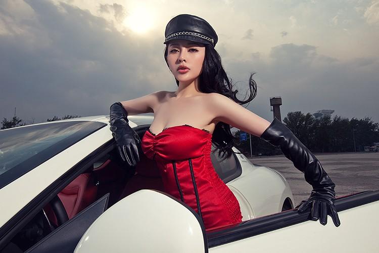 Chan dai show vong 1 ben xe bac ty Maserati GranTurismo-Hinh-5