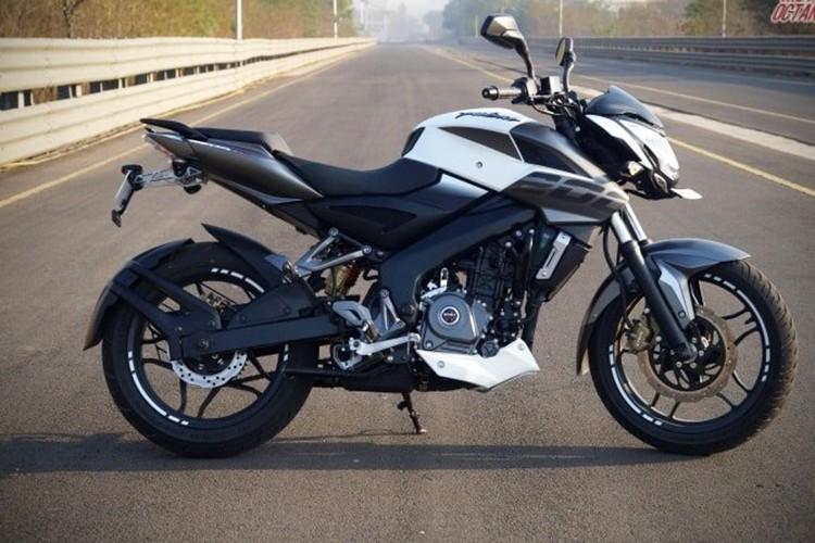 """Xe moto Bajaj Pulsar 200NS ABS 2018 """"chot gia"""" 38 trieu"""